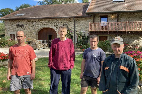 Les quatre associés du Gaec d'Argirey : Laurent Poisot, Nicolas, Mickaël et Ismaël Mougin