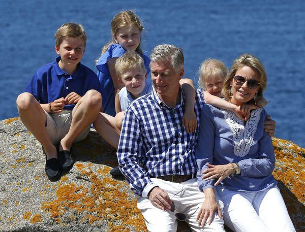 La famille du roi des Belges pose pour la photo
