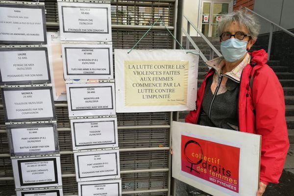 Les avis de décès des femmes d'Occitanie victimes de féminicides affichés le 7 octobre par le Collectif Midi-Pyrénées pour les Droits des Femmes sur les grilles du Tribunal de Toulouse.