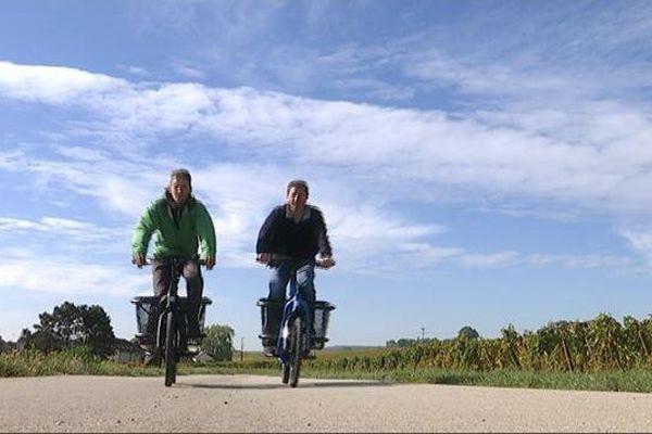 """A gauche Vincent Hanrion, porteur du projet, à droite Thomas Coulbeau, fondateur de """"Douze Cycles"""" à Ladoix-Serrigny."""