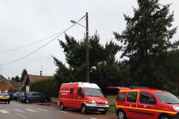 Les équipes déployées à Lucenay-L'Evêque (Saône-et-Loire), vendredi 5 janvier.