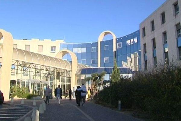 Béziers (Hérault) - le mouvement de grève des praticiens hospitaliers a été largement suivi - 28 novembre 2013.
