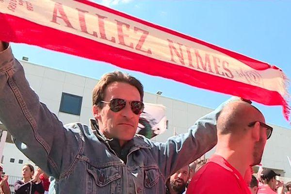 Pour faire entendre leur colère, les supporters des Crocos sont partis du stade des Costières et ont manifesté pacifiquement jusqu'aux arènes de Nîmes.