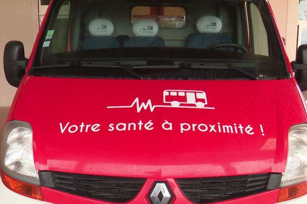 Aude : le bus santé mobile, un cabinet paramédical ambulant sillonne la campagne - 2020.