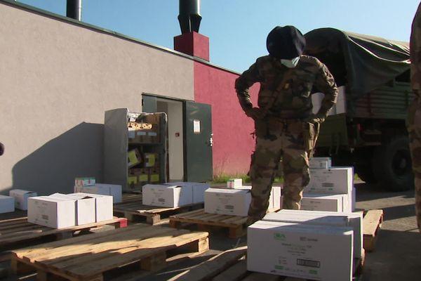 A Albertville, les masques ont été déchargés et distribués aux bénéficiaires.