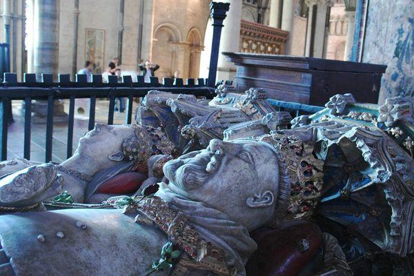Gisant d'Henry IV et Jeanne de Navarre à la cathédrale de Canterbury.