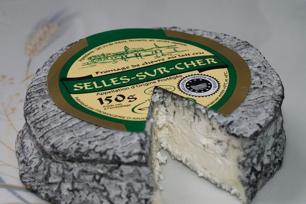 Selles-sur-cher est une appellation désignant un fromage français de lait de chèvre