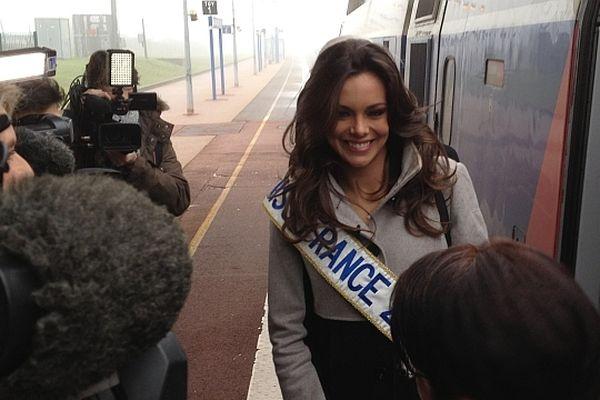 Marine Lorphelin, Miss France 2013, est rentrée chez elle en Saône-et-Loire, où elle passera les fêtes de fin d'année en famille.