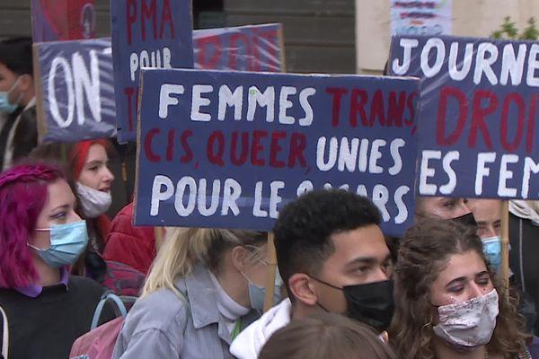 La manifesation a réuni 2 000 femmes et hommes dans la rue
