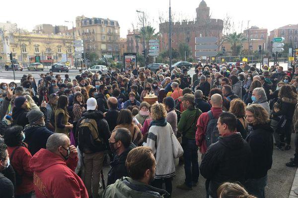 Perpignan : rassemblement des intermittents du spectacle pour la réouverture des lieux culturels