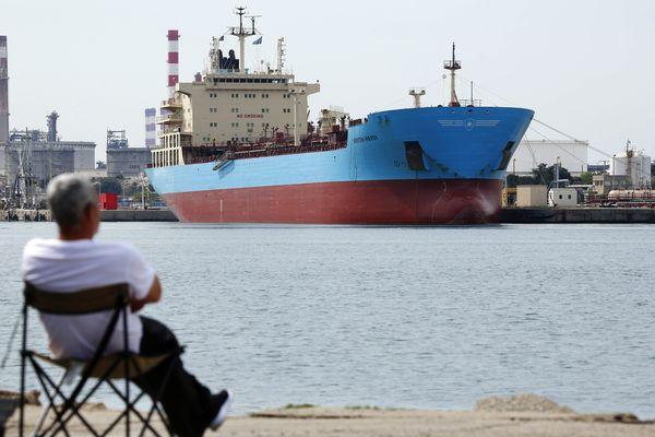 Un pétrolier au terminal de Lavera