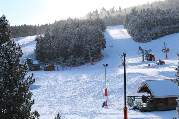Les pistes enneigées à la station de Puyvalador Pyrénées-Orientales