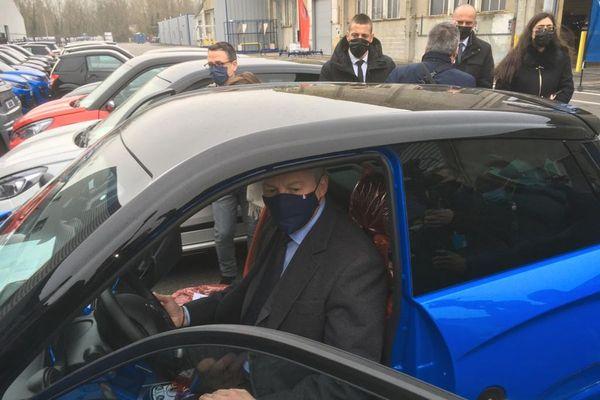 Bruno Le Maire, en déplacement dans l'Allier ce vendredi 5 mars, a fait étape chez Ligier, le constructeur de voiturettes.