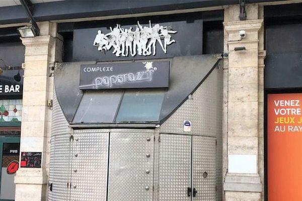 L'une des boîtes de nuit historiques du centre-ville de Troyes, le Paparazzy, pourrait fermer ses portes définitivement à cause du coronavirus.