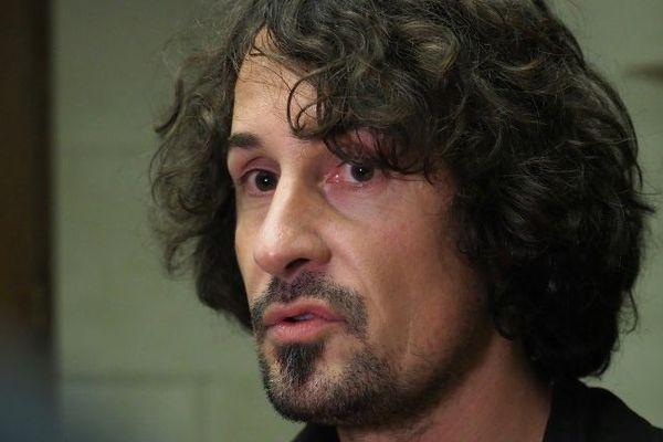 Olivier Savignac, victime du prêtre pédophile orléanais Pierre De Castelet, est devenu le visage et la voix des victimes de pédophilie au sein de l'Eglise.