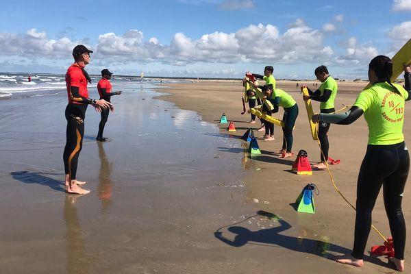 Sur quatre semaines, les futurs sauveteurs en mer sont formés par groupe de 20