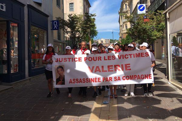 Une marche blanche était organisée à Carcassonne, samedi 7 septembre, en souvenir de Valérie Drif, tuée par sa compagne.
