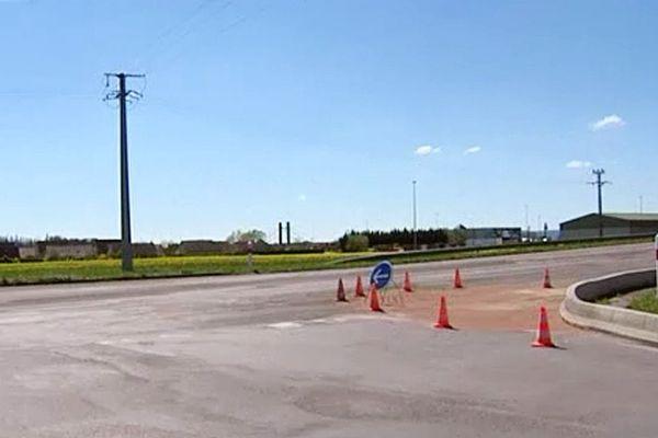 L'accident mortel entre le gendarme et l'automobiliste s'est déroulé ici, route de Seurre à la sortie de Beaune, dimanche 10 avril