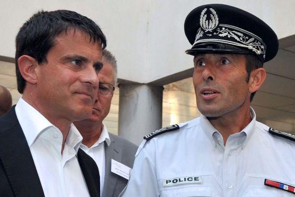 Jean-François Illy, ancien directeur départemental de la sécurité publique (DDSP) du Bas-Rhin, lors d'une rencontre avec Manuel Valls.