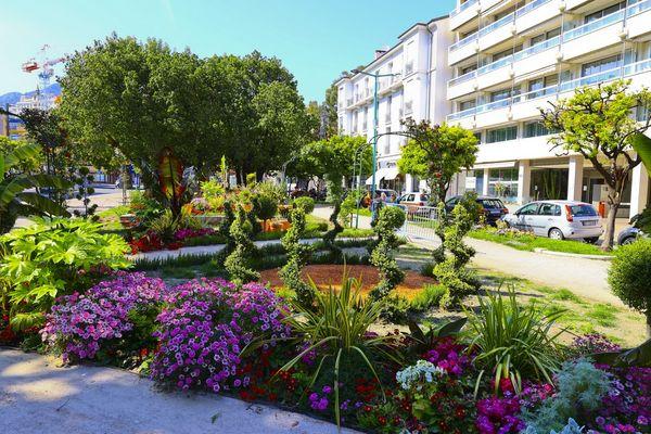 Des créations à découvrir sur les plus beaux sites de la Côte d'Azur comme à Menton au jardin Biovès. Photo prise le 24 avril dernier.