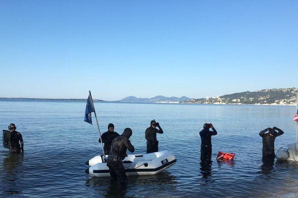 L'association Fonds Bleus de sortie le jeudi 21 mai en baie de Juan-les-Pins après deux mois de confinement.