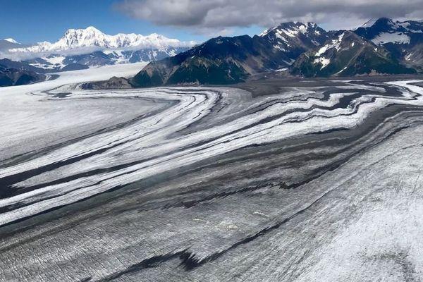 Sur ce glacier en Alaska, les sols gelés du permafrost menacent, en fondant, de libérer des virus oubliés