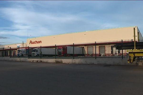 La plateforme d'Auchan, dans la zone industrielle de Nîmes Saint Césaire