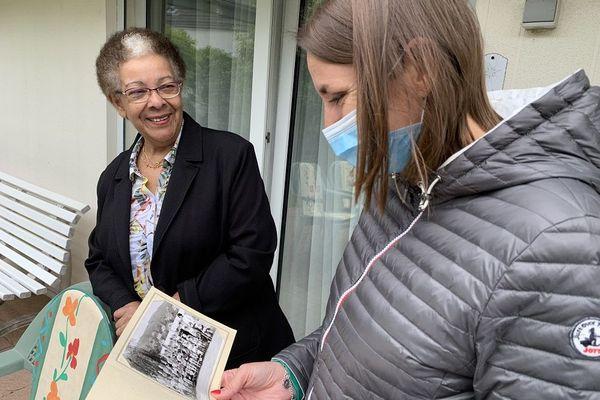 Pour sa première année en Alsace, Françoise était en poste à Thann, la commune où Karine était au lycée. Le monde est petit !