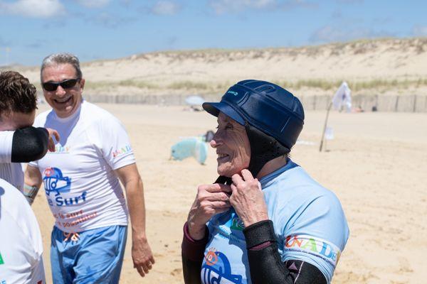 Faire du surf, c'est possible pour les non-voyants grâce à l'association See Surf - Lacanau en Gironde le lundi 5 juillet 2021 -