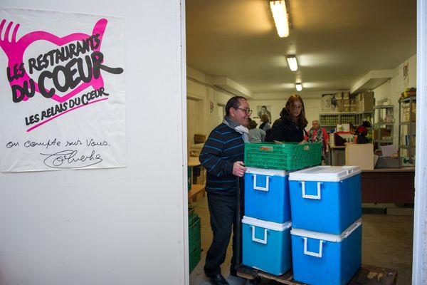 En Indre-et-Loire, l'association des restos du cœur souhaitent mobiliser 1.200 personnes pour la grande collecte nationale de mars.