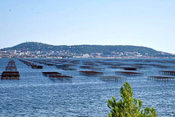 La lagune de Thau et Sète -Hérault. Archives.