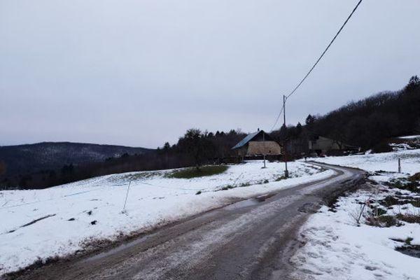La ferme où a eu lieu le drame est située dans un endroit isolé.