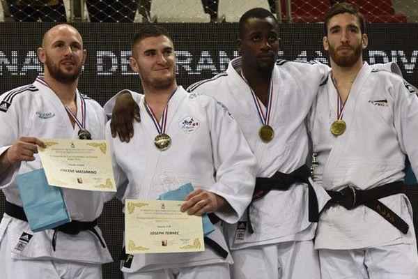Le podium des - de 100 kilos: MASSIMINO Vincent (COS Judo), TERHEC Joseph (AJ 61), ARIANO REBOUKA Nell Honore (U.S.Orléans) et DELVERT Clement