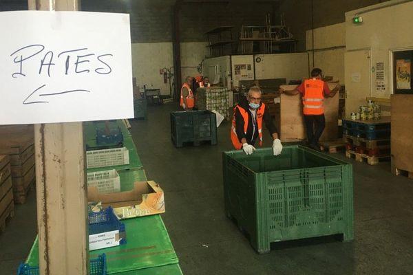 L'entrepôt de la Banque Alimentaire 17 est aujourd'hui presque vide.