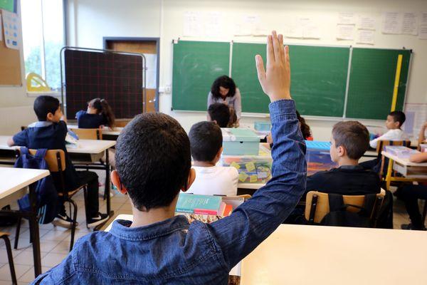"""L'Assemblée nationale a adopté mardi 19 février le projet de loi """"pour une école de la confiance"""". Photo d'illustration."""