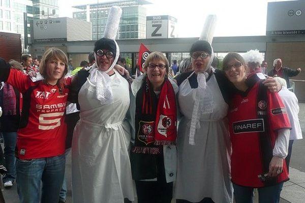 Yvon en 2009, la Mam Goudig de gauche, avec sa femme et ses filles