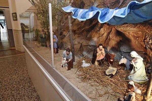Béziers (Hérault) - la crèche de Noël dans le hall de la mairie - 2014.