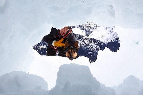 Les CRS du secours montagne  s'entraînent cinq fois au cours de l'hiver dans le massif des Pyrénées