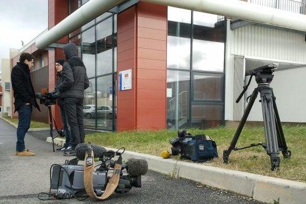 Les journalistes font le pied de grue à Castelnaudary devant chez Spanghero