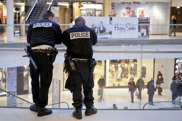 Premiers sur les lieux, les policiers de terrain sont souvent les premières victimes des terroristes