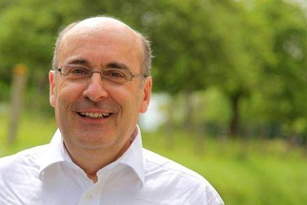 Jean-Léonce Dupont, président sortant du Conseil Départemental du Calvados pourrait bénéficier d'une large majorité de droite et du centre pour assurer sa réélection.