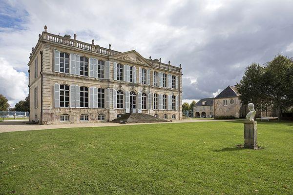 Dans le Calvados, à Mézidon-Canon, le Château de Canon est classé Monument historique depuis 1941.