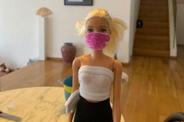 Porter un masque, emmener ses lingettes désinfectantes sous le bras. Une nouvelle réalité pour les enfants de Julie à Hong-Kong.