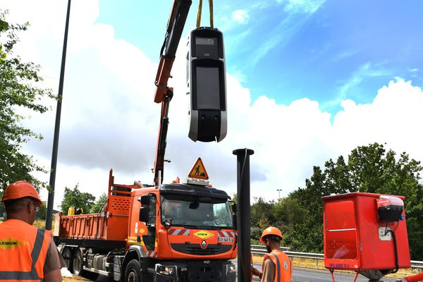 Le déploiement des radars tourelles se fait progressivement. D'ici 2020, 1200 radars seront installés sur les routes de France