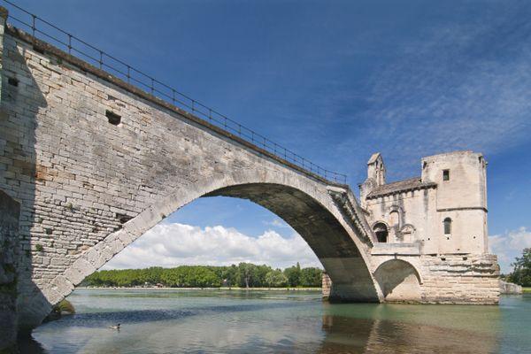 Le Rhône à hauteur du Pont Saint-Bénézet à Avignon (image d'illustration )