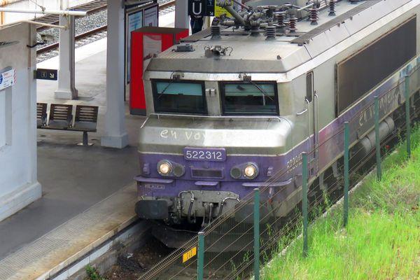 Illustration, train
