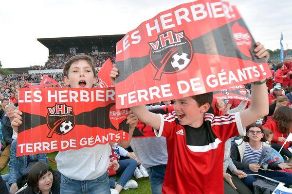 Et s'ils allaient jusqu'au stade de France comme en mai 2018 face au PSG? Cette année là, toute une commune s'est mobilisée jusqu'à la capitale.