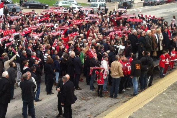 300 manifestants à Nîmes pour le Nîmes-Olympique