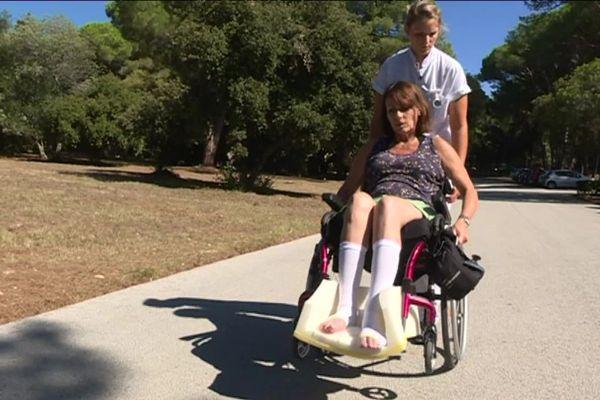 Après un accident de la route, Florence a perdu l'usage de ses jambes.