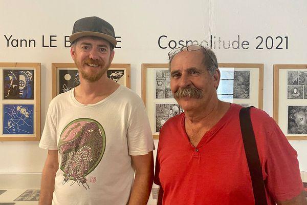 """Yann Le Borgne (gauche) et Christian Humbert-Droz, sérigraphes du spectacle musical """"Cosmolitude 2021""""."""